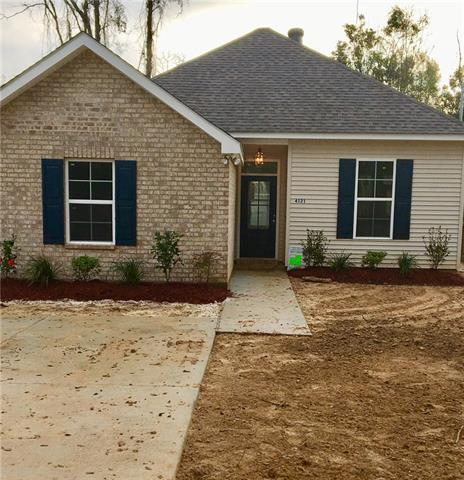 4121 St Louis Street, Slidell, LA 70461 (MLS #2135085) :: Turner Real Estate Group