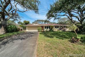 700 Maralyn Avenue, New Smyrna Beach, FL 32169 (MLS #1057223) :: Florida Life Real Estate Group