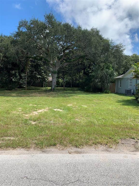 509 S Pine Street, New Smyrna Beach, FL 32169 (MLS #1060618) :: Florida Life Real Estate Group
