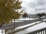 301 Lake Street - Photo 15