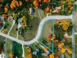 7085 Whispering Hills Drive - Photo 4
