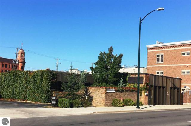 122 W State Street, Traverse City, MI 49684 (MLS #1844729) :: Team Dakoske | RE/MAX Bayshore