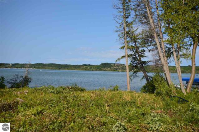 2776 S Lake Leelanau Drive, Lake Leelanau, MI 49653 (MLS #1851133) :: Michigan LifeStyle Homes Group