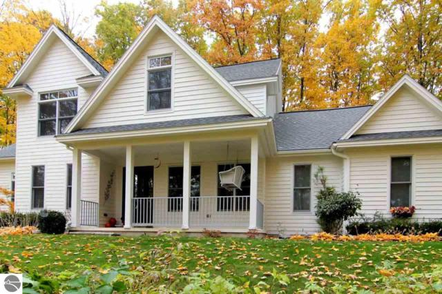 10487 E Oakridge, Traverse City, MI 49684 (MLS #1854611) :: Team Dakoske | RE/MAX Bayshore