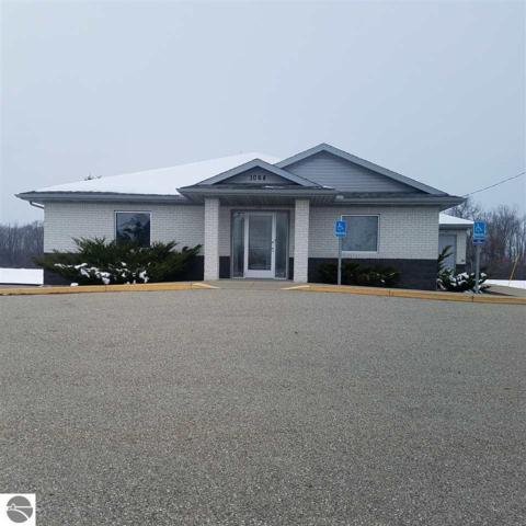 1064 W Cedar Street, Standish, MI 48658 (MLS #1855202) :: Team Dakoske | RE/MAX Bayshore