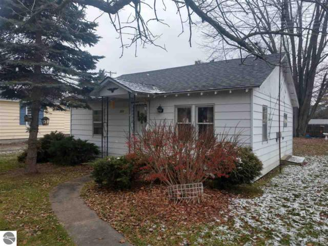 221 N Court, Standish, MI 48658 (MLS #1855554) :: Team Dakoske | RE/MAX Bayshore