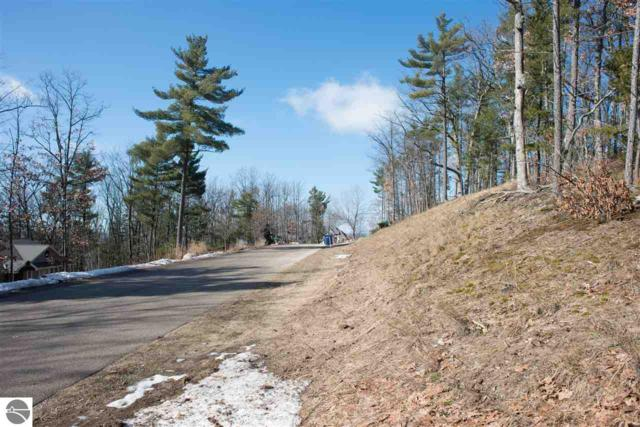 2945 Ridge Run Road, Traverse City, MI 49686 (MLS #1857886) :: Team Dakoske | RE/MAX Bayshore