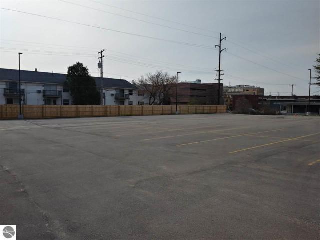 3525 W Front Street, Traverse City, MI 49684 (MLS #1861350) :: Team Dakoske | RE/MAX Bayshore