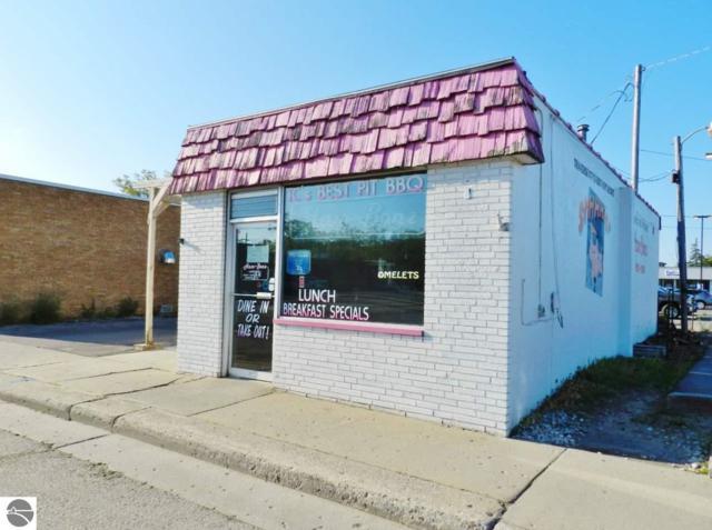 1108 E Eighth Street, Traverse City, MI 49686 (MLS #1862731) :: CENTURY 21 Northland