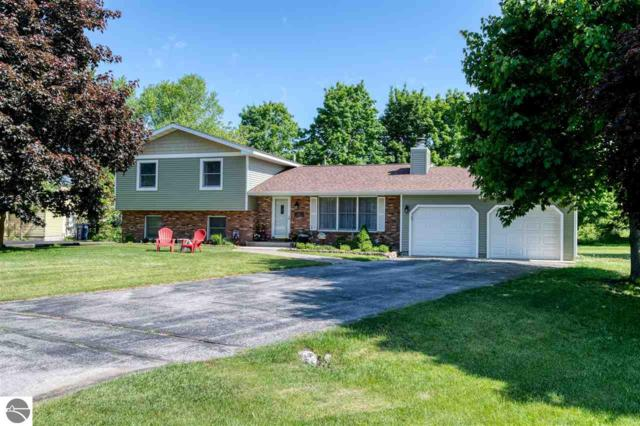 3986 Heatherwood E, Traverse City, MI 49684 (MLS #1862824) :: Team Dakoske | RE/MAX Bayshore