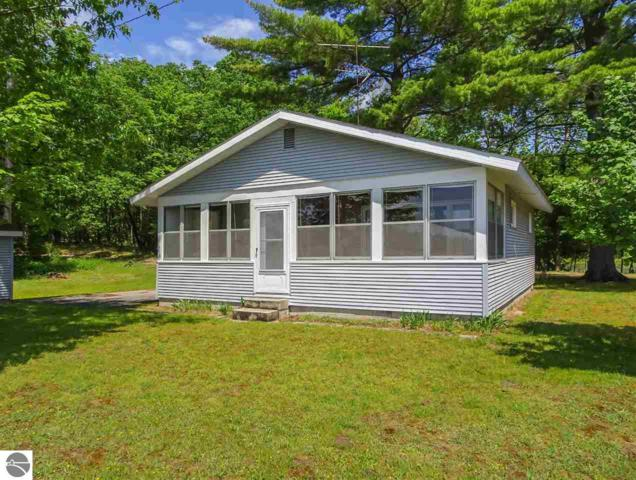 5832 Rennie View, Traverse City, MI 49696 (MLS #1862926) :: Team Dakoske | RE/MAX Bayshore