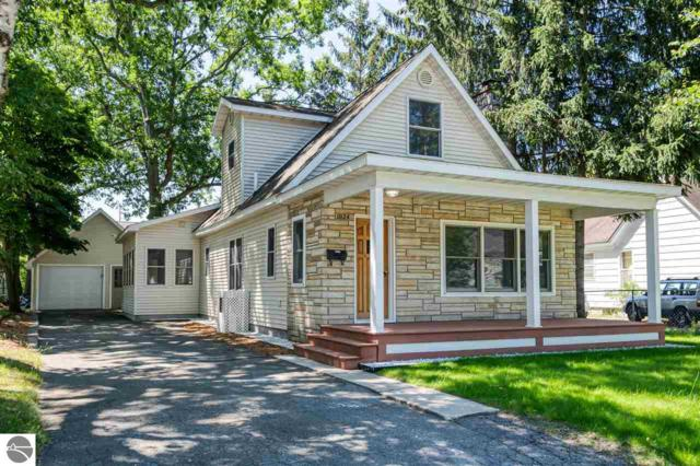 1024 Boyd Avenue, Traverse City, MI 49686 (MLS #1864406) :: Team Dakoske | RE/MAX Bayshore