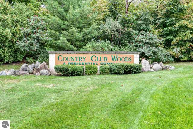 3752 Country Club Drive, Traverse City, MI 49684 (MLS #1867395) :: CENTURY 21 Northland