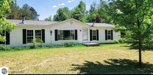 1335 S Taxiway Delta, Lake City, MI 49651 (MLS #1868091) :: Michigan LifeStyle Homes Group