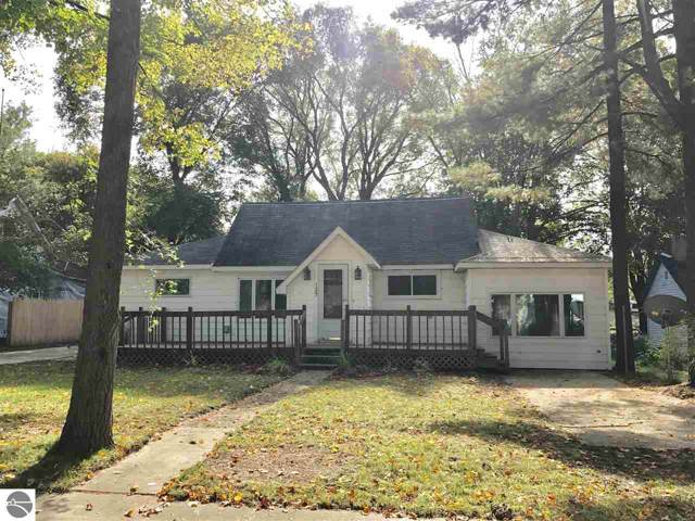 125 W John Street, Mesick, MI 49668 (MLS #1868593) :: Team Dakoske | RE/MAX Bayshore