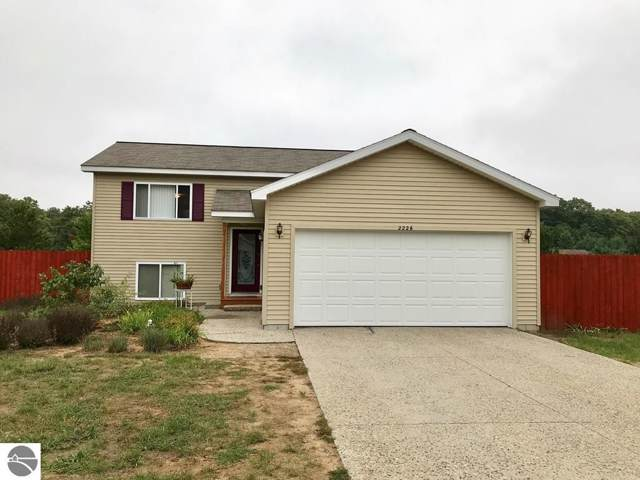 2226 Grouse Drive, Traverse City, MI 49685 (MLS #1869589) :: Team Dakoske | RE/MAX Bayshore