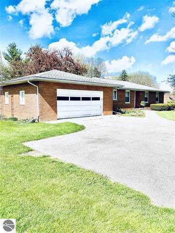 1204 W Superior Street, Alma, MI 48801 (MLS #1870159) :: Boerma Realty, LLC