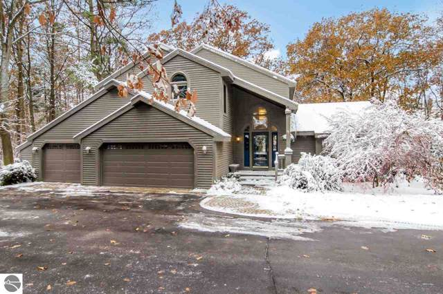 375 Timber Crest Drive, Traverse City, MI 49686 (MLS #1870182) :: CENTURY 21 Northland