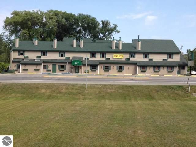 115 N Michigan Avenue #1, Beulah, MI 49617 (MLS #1871002) :: Brick & Corbett
