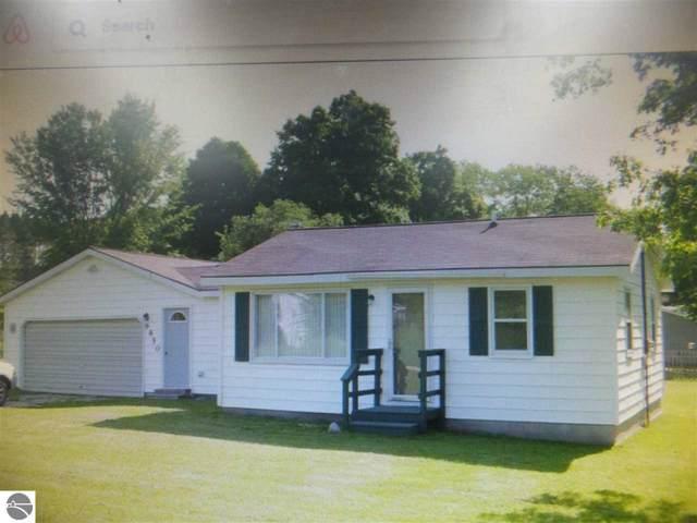 6850 Ottawa Drive, Mesick, MI 49668 (MLS #1871033) :: Boerma Realty, LLC