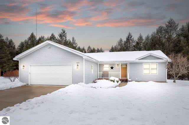 832 Francis Drive, Traverse City, MI 49696 (MLS #1871415) :: Boerma Realty, LLC