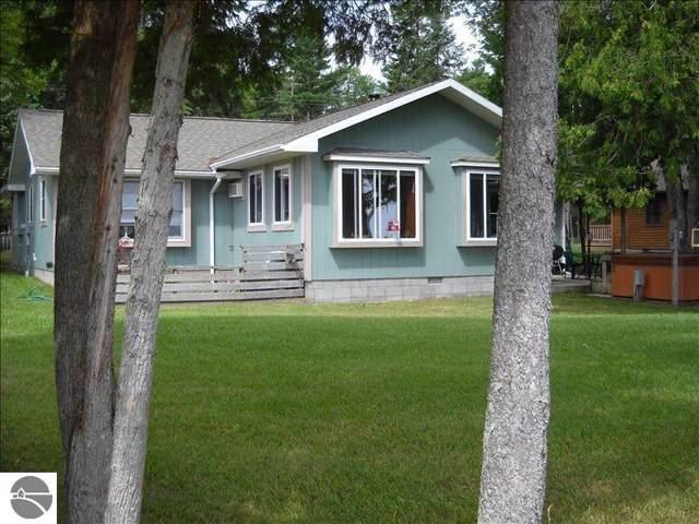 4254 N Lakeshore Drive, Black River, MI 48721 (MLS #1871463) :: Boerma Realty, LLC