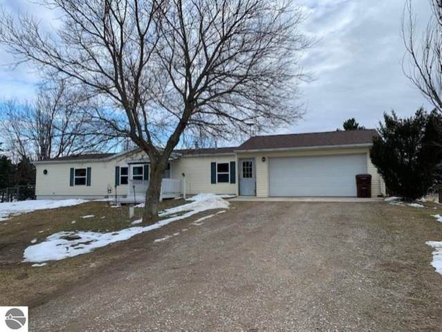 11784 N Alger Road, Alma, MI 48801 (MLS #1871564) :: Boerma Realty, LLC