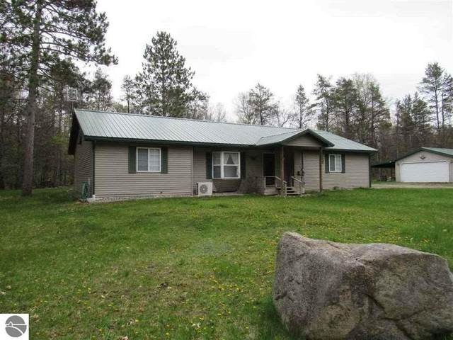4414 E Michigan Highway, Roscommon, MI 48653 (MLS #1871773) :: Boerma Realty, LLC