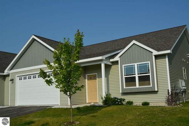 4925 SW Kodiak Drive #103, Traverse City, MI 49685 (MLS #1871792) :: Boerma Realty, LLC