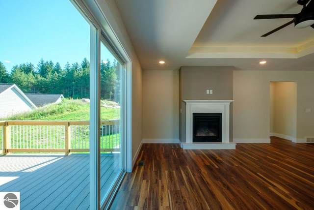 5212 Lone Maple Drive #51, Traverse City, MI 49685 (MLS #1871880) :: Boerma Realty, LLC