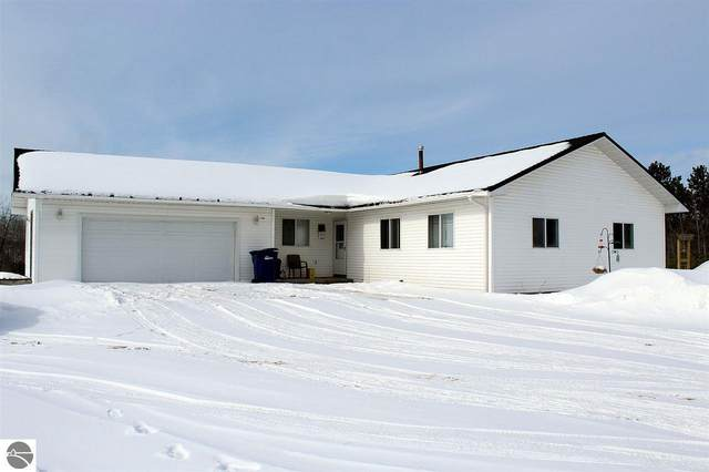 2877 NE County Road 571, Kalkaska, MI 49646 (MLS #1872028) :: Boerma Realty, LLC