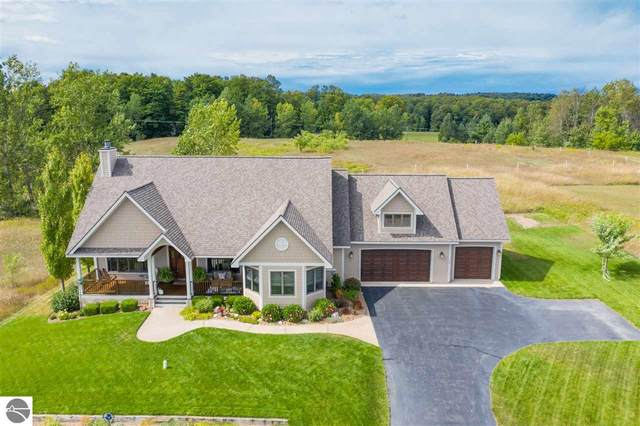 7096 S Cedarview Lane, Cedar, MI 49621 (MLS #1872038) :: Boerma Realty, LLC
