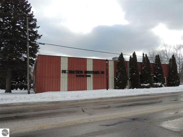 1048 Main Street, Frankfort, MI 49635 (MLS #1872039) :: Boerma Realty, LLC