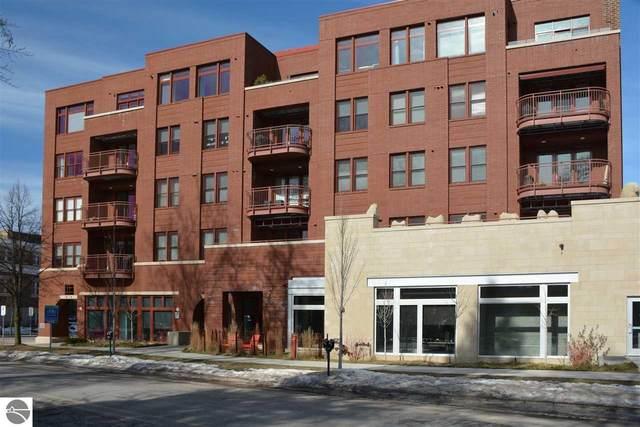 215 Washington Street, Traverse City, MI 49686 (MLS #1872245) :: Boerma Realty, LLC