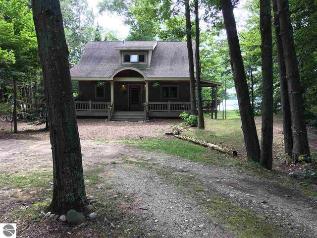 27250 Donegal Bay Road, Beaver Island, MI 49782 (MLS #1872522) :: Michigan LifeStyle Homes Group