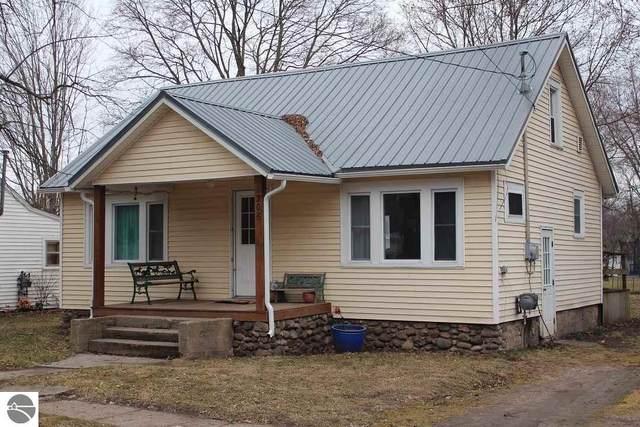 306 N 3rd Street, Shepherd, MI 48883 (MLS #1872876) :: Boerma Realty, LLC