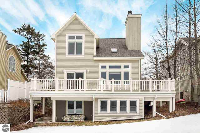 14 Chimney Ridge, Glen Arbor, MI 49636 (MLS #1872978) :: CENTURY 21 Northland
