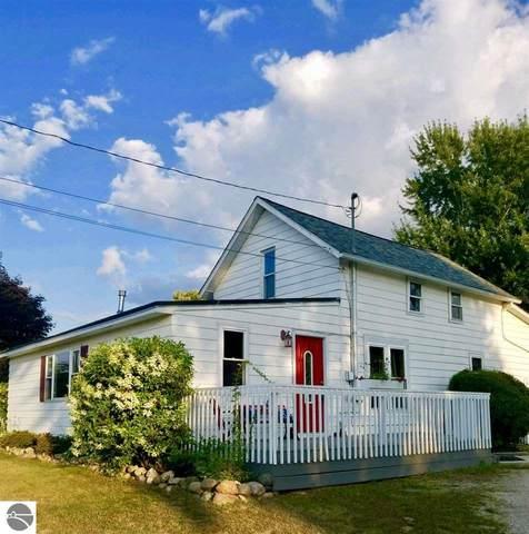 3338 E River Road, Mt Pleasant, MI 48858 (MLS #1873072) :: Boerma Realty, LLC