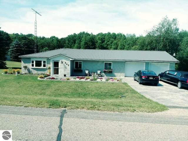 542 S Harrison Road, Houghton Lake, MI 48629 (MLS #1873242) :: CENTURY 21 Northland