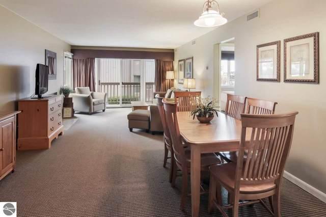 5535 Golfview Court, Williamsburg, MI 49690 (MLS #1873391) :: CENTURY 21 Northland