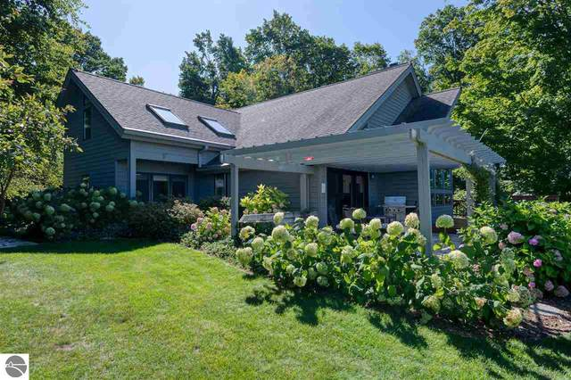 2332 Harbor Reach Drive, Traverse City, MI 49686 (MLS #1873448) :: CENTURY 21 Northland
