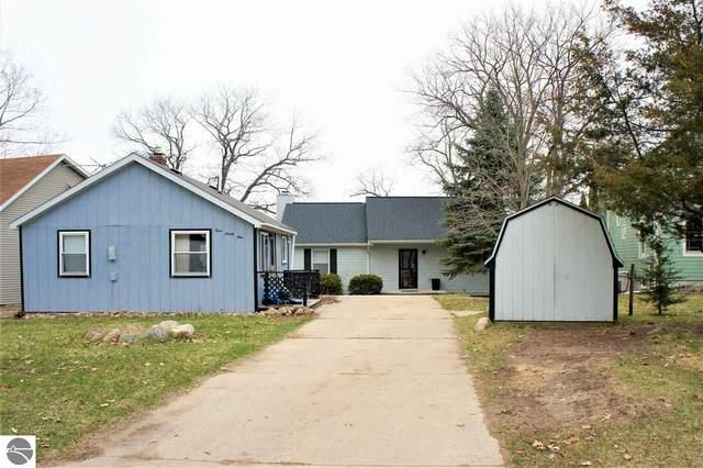 395 N Crooked Lake Drive, Lake, MI 48632 (MLS #1873688) :: Michigan LifeStyle Homes Group