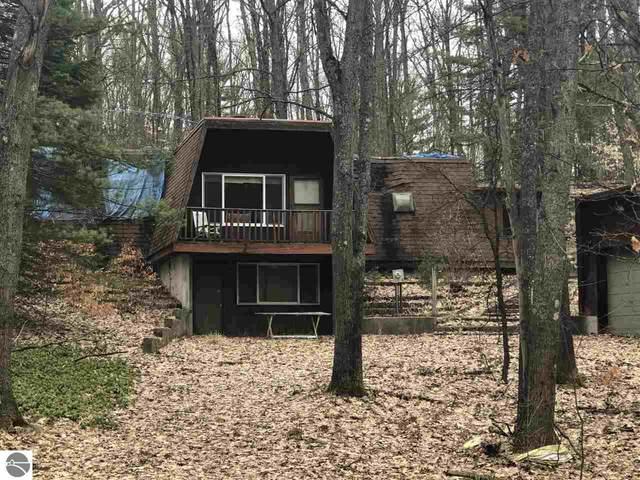 112 Valley Circle, Leroy, MI 49655 (MLS #1873709) :: Michigan LifeStyle Homes Group