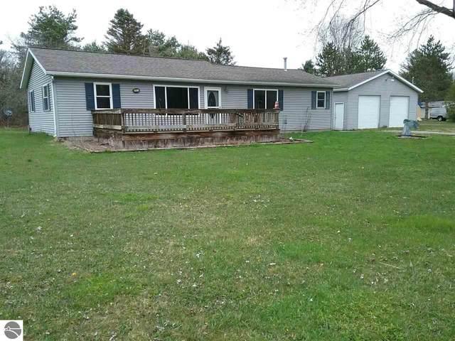 8945 E Remus Road, Mt Pleasant, MI 48858 (MLS #1873933) :: Boerma Realty, LLC
