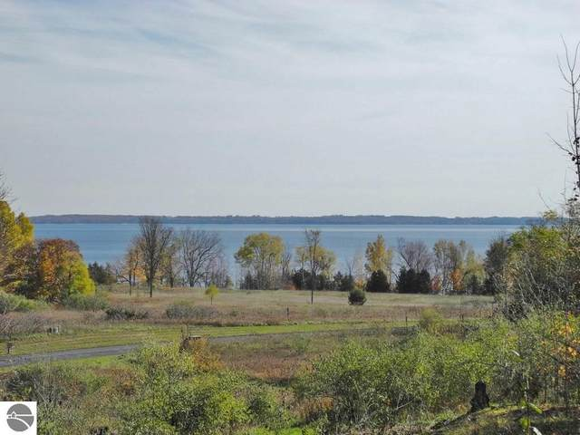 2139 N Belanger Creek Drive, Suttons Bay, MI 49682 (MLS #1874027) :: Michigan LifeStyle Homes Group