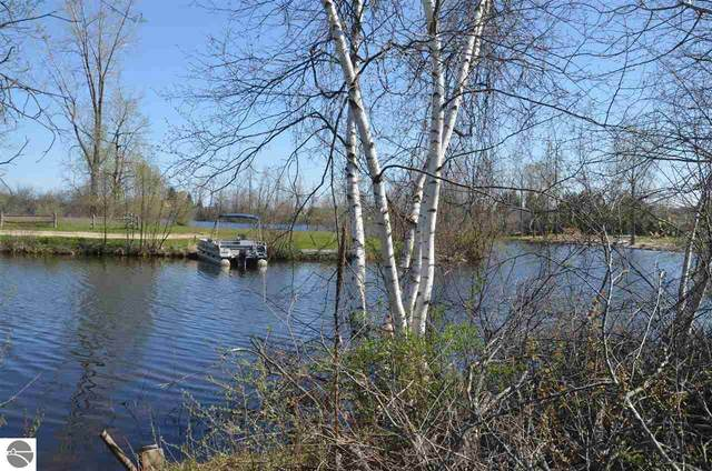 1186 Clubhouse Drive, Lake Isabella, MI 48893 (MLS #1874252) :: Boerma Realty, LLC