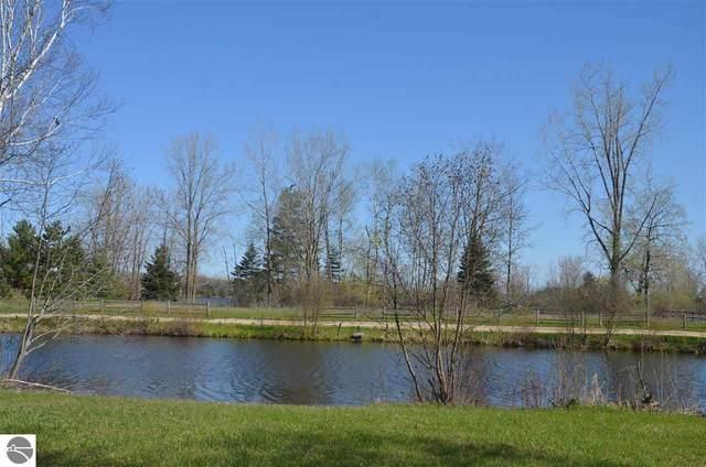 1184 Clubhouse Drive, Lake Isabella, MI 48893 (MLS #1874253) :: Boerma Realty, LLC