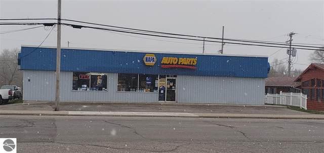 235 N Michigan Avenue, Beulah, MI 49617 (MLS #1874320) :: Boerma Realty, LLC