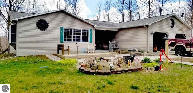 403 Carter Creek Road, Beulah, MI 49617 (MLS #1874482) :: Michigan LifeStyle Homes Group