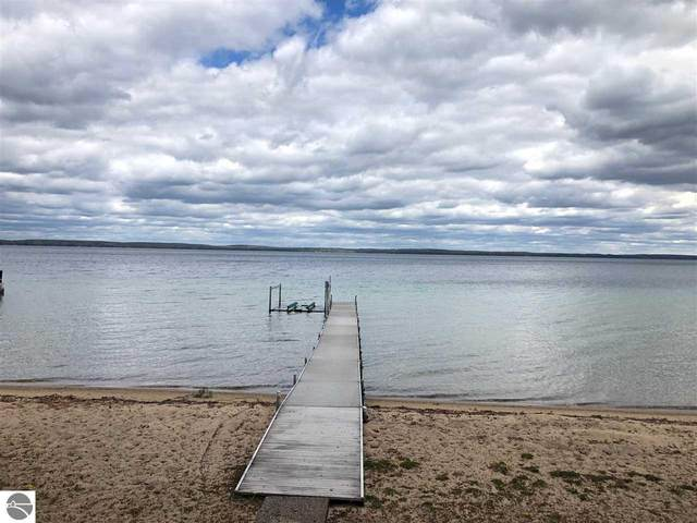 224 Lake Shore Drive, Roscommon, MI 48653 (MLS #1874564) :: CENTURY 21 Northland